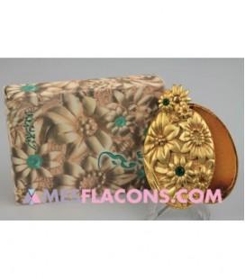 Concrète - qaium gold - passement vert