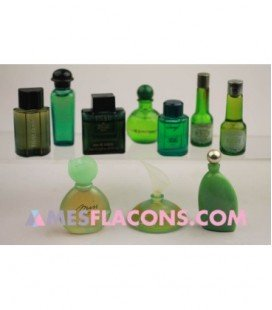 Lot de 10 miniatures mixtes de couleur verte (marques diverses)