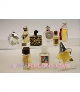 Lot de 10 miniatures féminines (marques diverses)